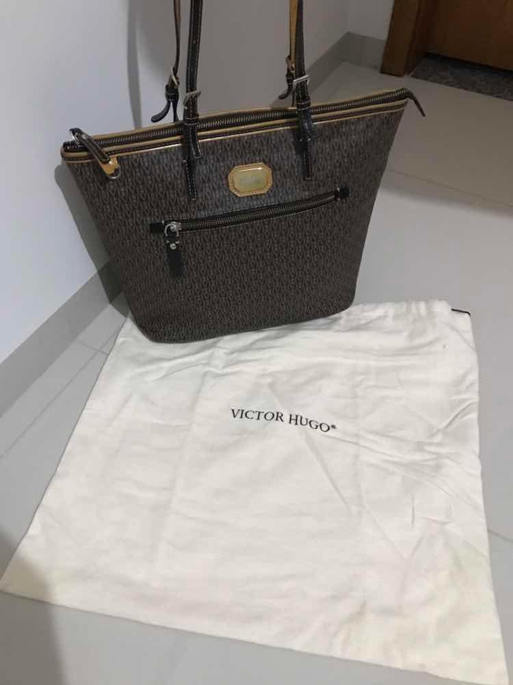 e5e3a3d5b Bolsa Victor Hugo Impecável - R$ 499,00 em Mercado Livre