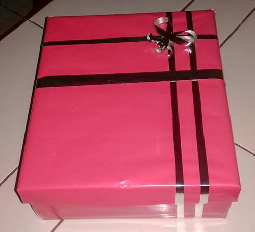 bolsa y caja de regalo personalizado