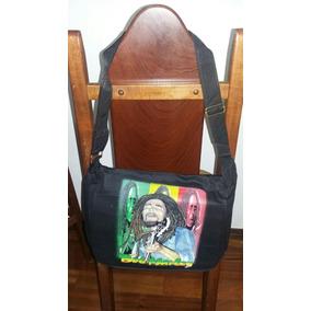55d96b7f8fa2d Bolsa De Lado Estampa Bob Marley Diferente