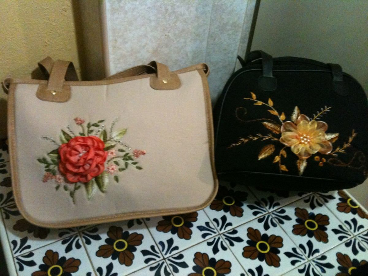 Bolsas de mano hechas de manta bondeada bordadas a mano - Cosas hechas a mano para vender ...