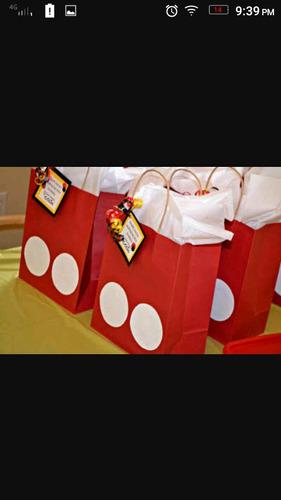 bolsas de papel decorativas para fiestas, eventos y regalos.