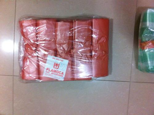bolsas plásticas de 10 kg c/a, con asa tipo camiseta.
