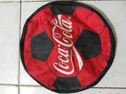 bolsito en forma de balon de fútbol cocacola