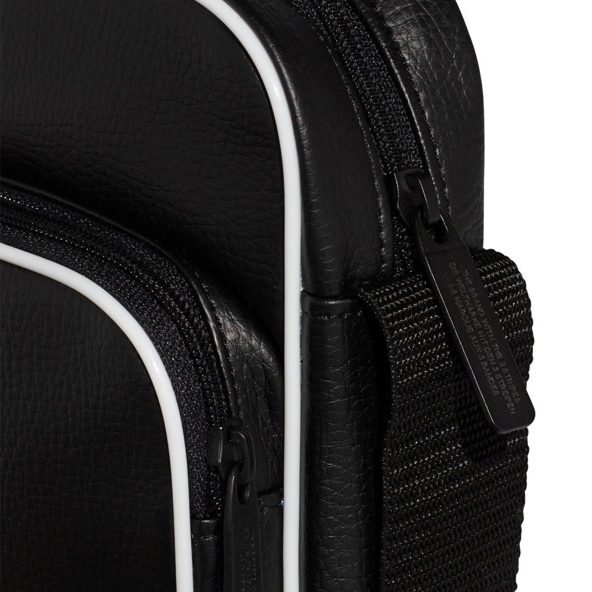 af50b942 Bolso adidas Mini Vintage Negro Unisex- Originals - $ 1.499,00 en ...