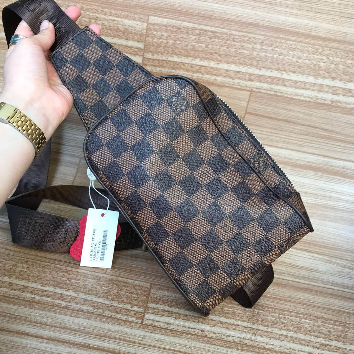86054b4e2 Bolso Carriel Manos Libres Louis Vuitton 1.1 - $ 140.000 en Mercado ...