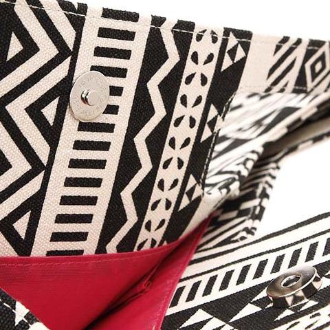 bolso con diseño estilo tribal para mujer