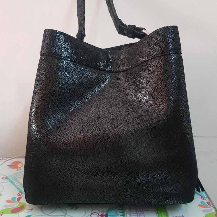 43fdbd0f84bce bolso cuero prune cartera · prune cartera bolso hombro cuero negro brillo  flecos navidad