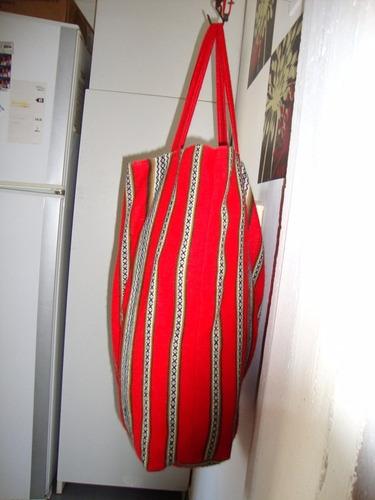 bolso de mano -aguayo - tela artesanal andina color rojo