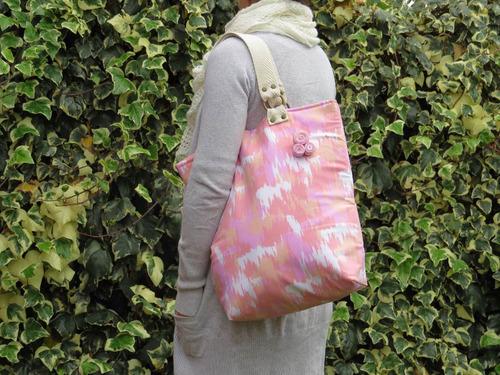 bolso en tela de tapicería, forrado y con bolsillo interior