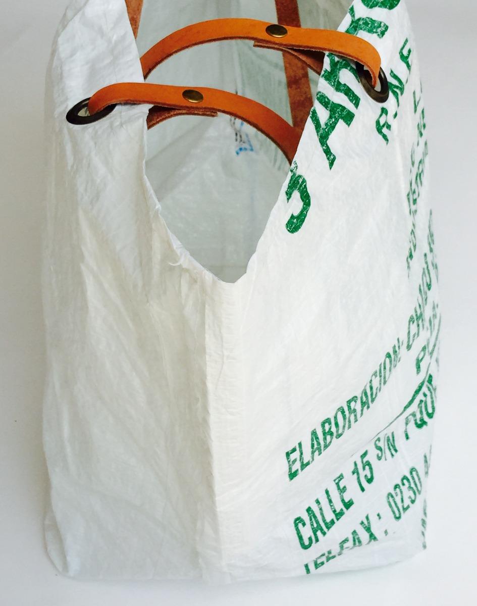5704a7f57 Bolso Lona Urbano Grande Harina Mujer Cuero Reciclado - $ 450,00 en ...