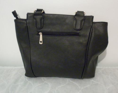 bolso marca eurobags  grande, color negro.