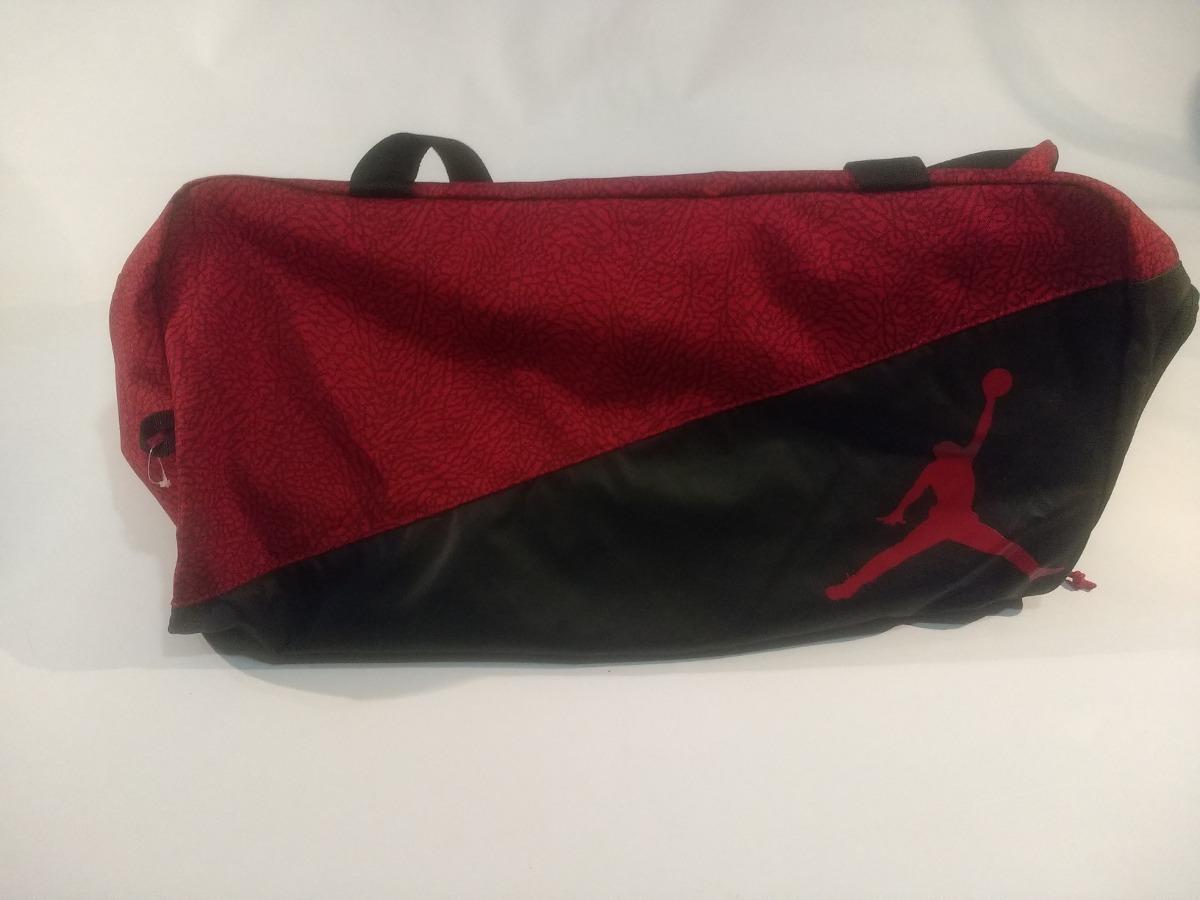 bolso nike jordan con compartimiento zapatillas negro y rojo. Cargando zoom. 09424bcbcb9d8