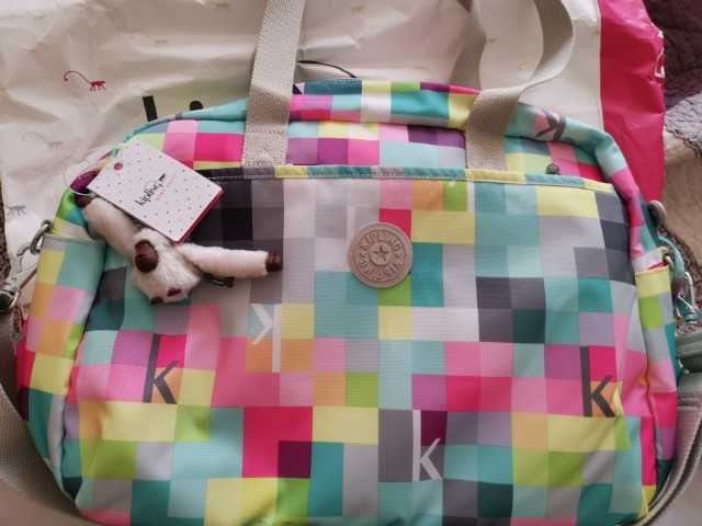 37fe577a3 Bolso Pañalero Kipling - $ 75.000 en Mercado Libre