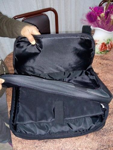 bolso porta notebook ( nuevo) y regalo