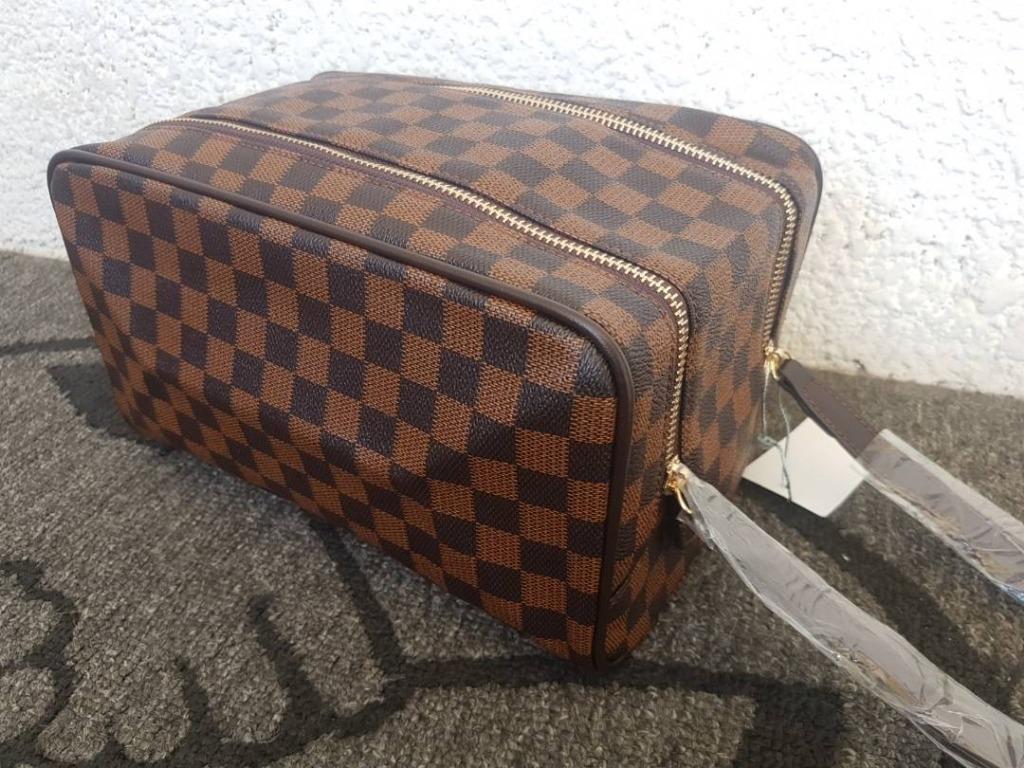 5a246463b Bolso Viajero De Cuero Lv Porta Cosmeticos Louis Vuitton - Bs ...