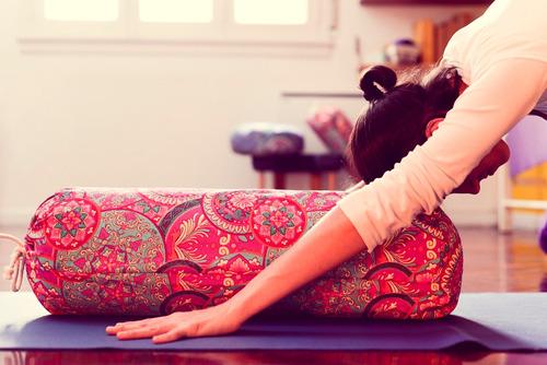 bolster almohadon cilindrico yoga estampado grande iyengar