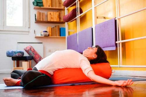 bolster yoga cilindro almohadon liso grande iyengar