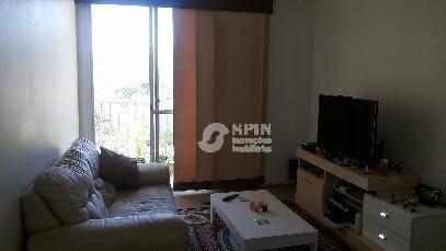 bom apartamento, com varanda, ampla sala para 2 ambientes, banheiro social, 2 quartos, copa cozinha montada, ampla, 1 vaga - ap0403