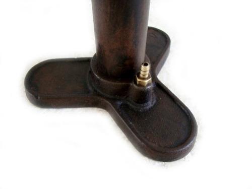 bomba antiga em ferro de encher pneu marca tecnica