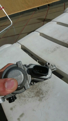 bomba auxiliar de parada e partida c180 ano 2012.função eco