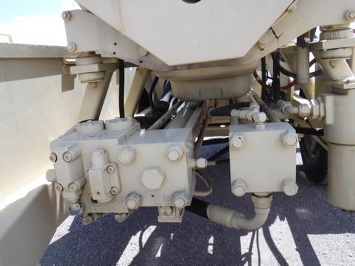 bomba concreto remolcable  sidewinder 50 cy. mayco fol 12904