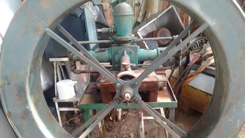 bomba de agua com roda dgua