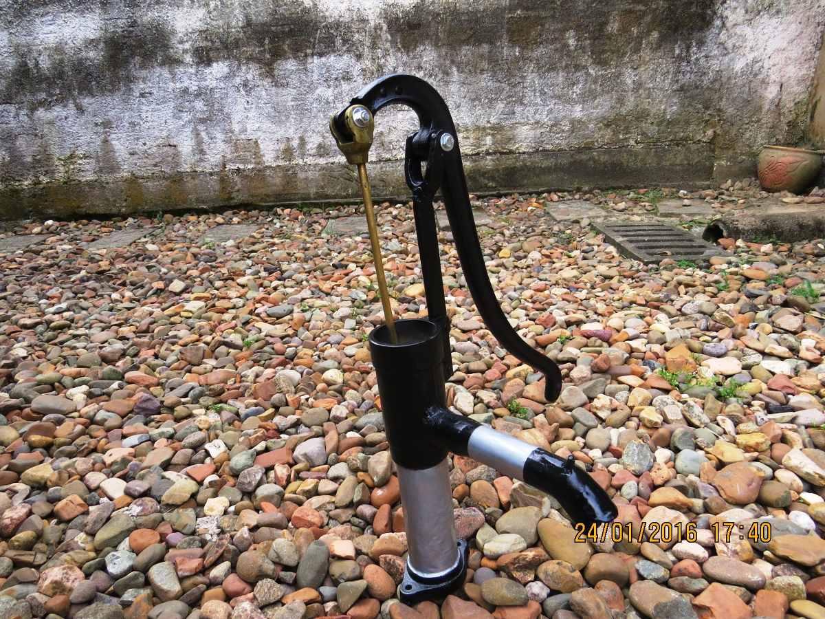 Bomba de gua manual antiga r 280 00 em mercado livre for Bomba de agua manual