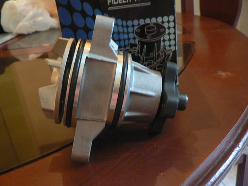 bomba de agua suzuki gran vitara  motor 2.7l  2.5l  99-08