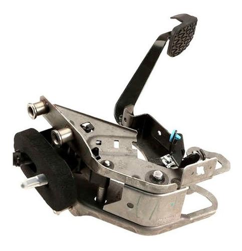 bomba de clutch principal con pedal ford fiesta 2011 - 2016