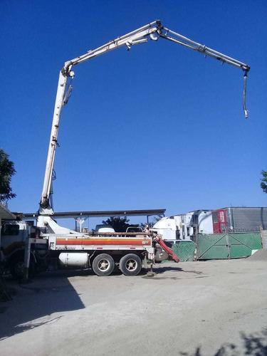 bomba de concreto (pluma 28 mts) 1985, camión mack