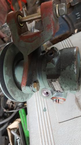 bomba direccion hidraulica mercedes 1518