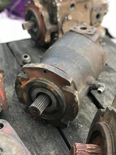bomba hidrahulica vibrocompactador rodillo dynapac soundstra