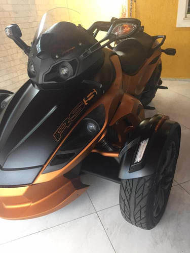 bombardier can-am spyder