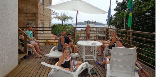 bombinhas centro 6 a 20 personas vista panoramica piscina