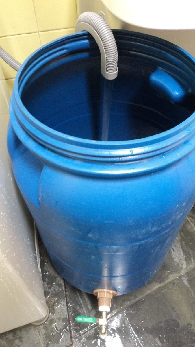 Bombona tambor para gua com torneira 80 litros r 202 for Plasticos para estanques de agua