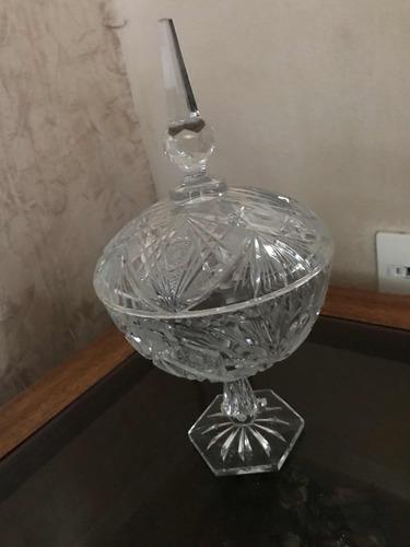bombonera de cristal cortado