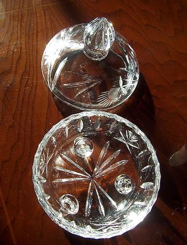 bombonera  o joyero cristal tallado hermoso diseño vintage