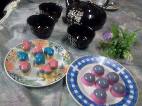 bombones arcobaleno finos rellenos y de color muy originales