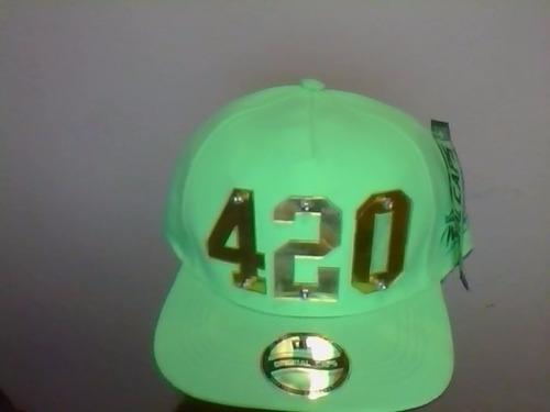 boné 420 em acrilico