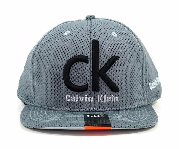 b0d56d91d5365 Boné Aba Reta Calvin Klein Cinza - R  55