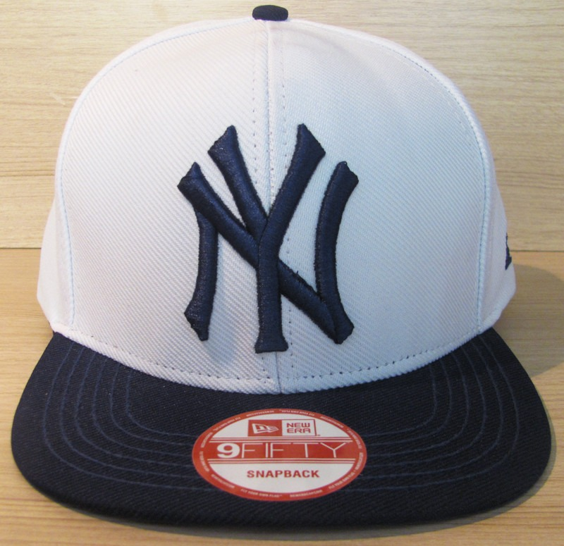 f66940ec3abc3 boné aba reta new york yankees baseball mlb branco snapback. Carregando  zoom.
