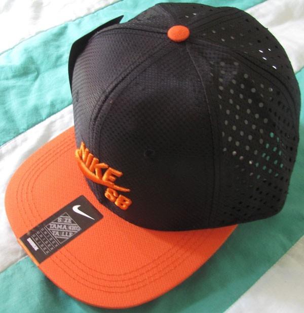 2d423ac36e Boné Aba Reta Nike Sb Snapback Trucker Tela Preto E Laranja - R$ 45 ...