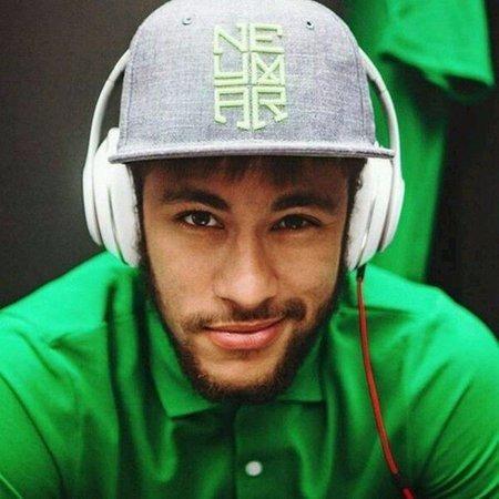 1207994bc12e2 Boné Aba Reta Preto Neymar Jr Brasil Copa Do Mundo Futebol - R  29 ...