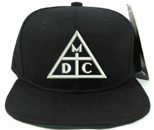 6d8a81dd8a895 Boné Aba Reta Snapback Rap Costa Gold Damassaclan Dmc - R  35