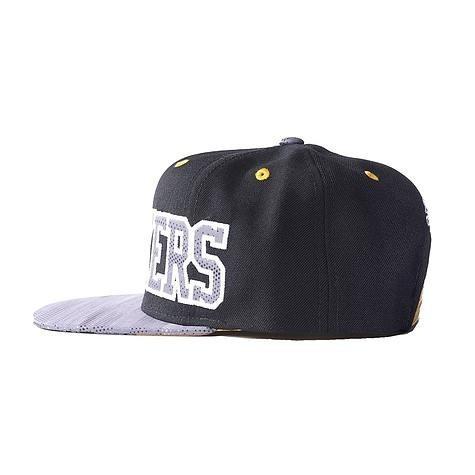 Boné adidas Nba Flat Los Angeles Lakers Aba Reta Basquete - R  120 ... 1d052d97e65