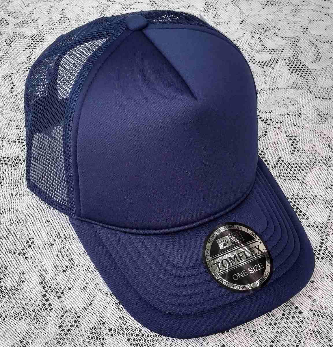 Boné Azul Marinho Frete Grátis Trucker Curva Sem Estampa - R  69 5e24acfb43f6c