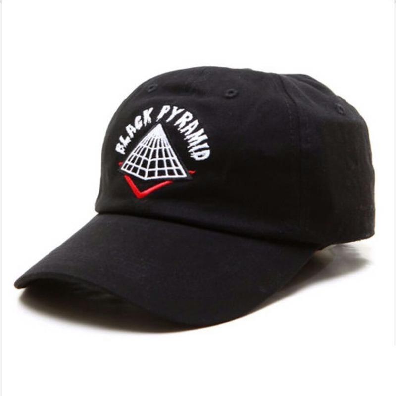 ce212878043a2 Boné Black Pyramid New Chris Brown Strapback Last Kings Era - R  69 ...