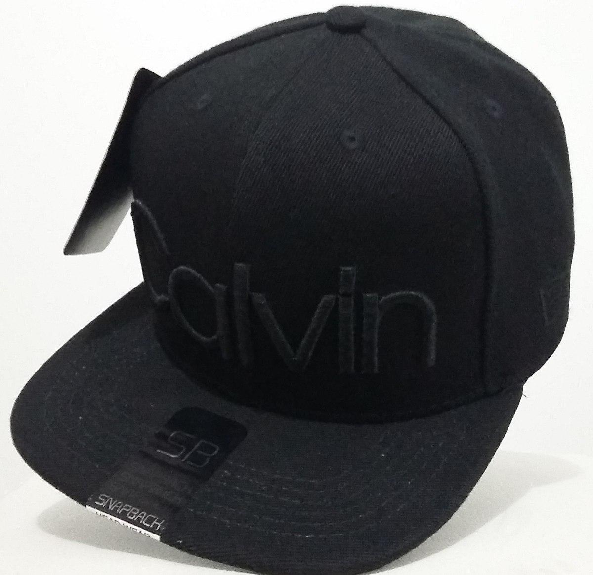 0a86cd30b2f96 Boné Calvin Klein Preto Aba Reta Snapback - R  30,99 em Mercado Livre