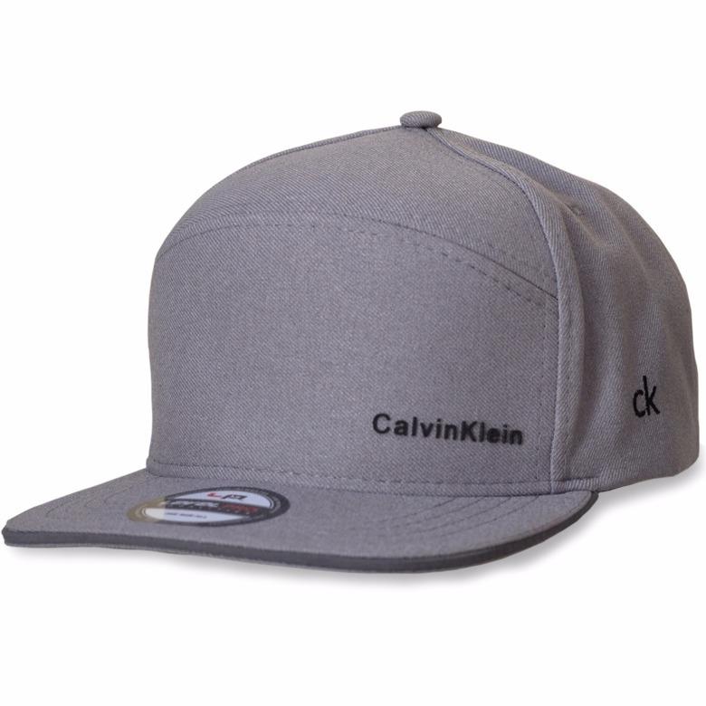 df367fd3d0a69 Boné Chapéu Calvin Klein Aba Reta Masculino - R  19