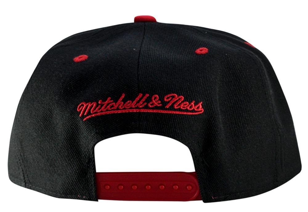 boné chicago bulls mitchell   ness preto vermelho original. Carregando zoom. 4eb57f74b7b